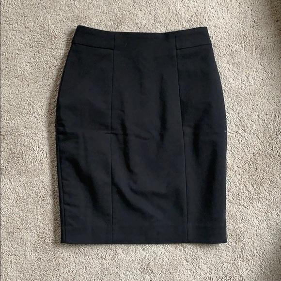 H&M Dresses & Skirts - Black pencil skirt